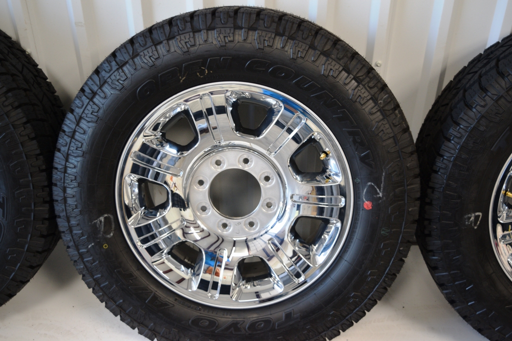 Ford F250 OEM 20 Inch Chrome Wheels