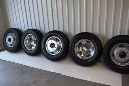 Ford Dually wheels and tires
