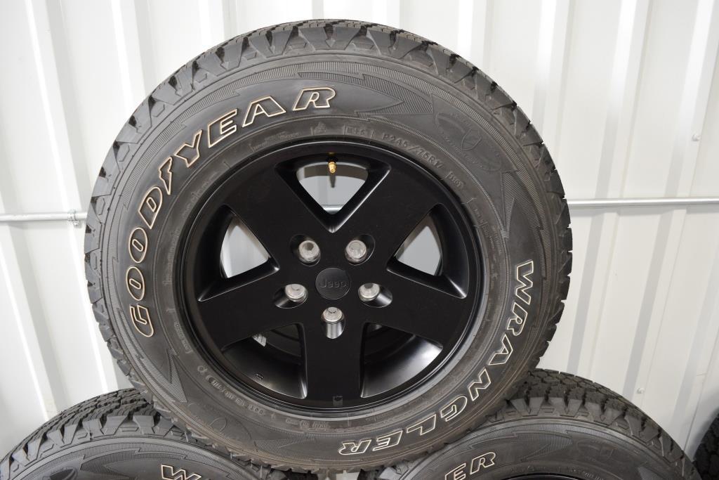 jeep wrangler oem wheels tires goodyear silent armour technology