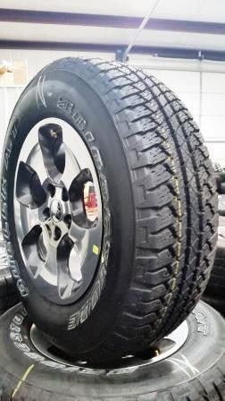 2016 Jeep Wrangler Sahara grey metal wheels